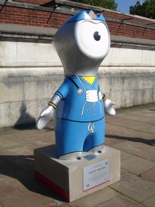 Doctor Wenlock saving lives near St Thomas' Hospital. Probably not a surgeon though, not with those hands