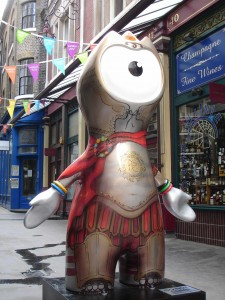 O grando Londinium Wenlock, mascot de MMXII Olympia (isn't 'Google Translate' just great?). Leadenhall Market