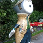 Is Wenlock paying homage to Sherlock Holmes or TeamGB cyclist hero Bradley Wiggins here in Regent's Park?
