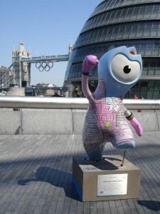 Skyline Wenlock by City Hall. Is that a little fig leaf protecting Wenlock's modesty? Ah, bless.