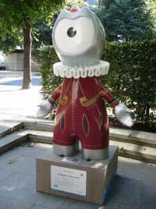 Is this an Olympics Mascot I see before me? Sonnet Wenlock paying homage to the Bard near Cheapside