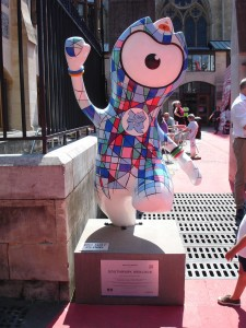 The sexiest cassock I've ever seen! Southwark Wenlock by the cathedral