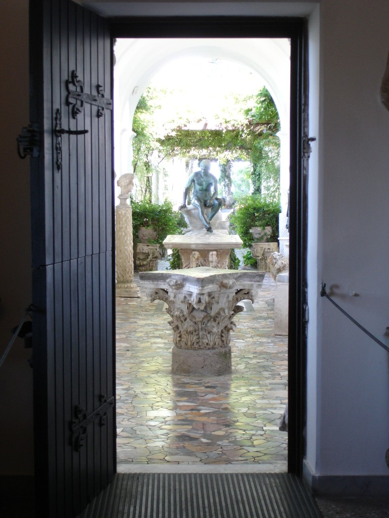 From the bedroom to the courtyard