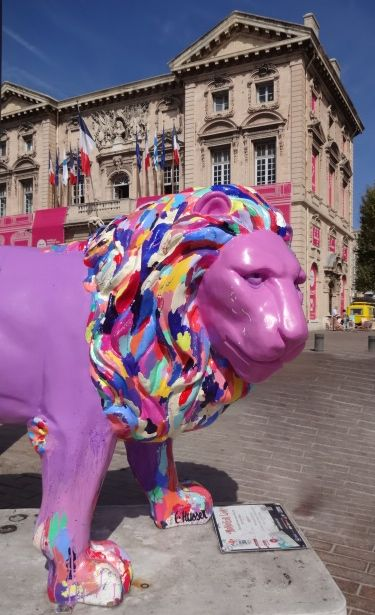 Even 'Monsieur Lion' in front of the Hotel de Ville appears to have missed the joke