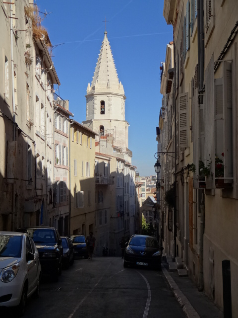 ... but the sights and the narrow streets along the 'route' were certainly interesting ...