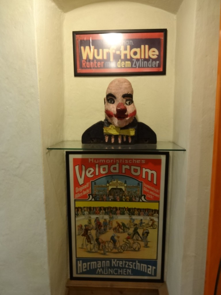 Poster and a rather scary looking papier mache head from the Oktoberfest of 1930