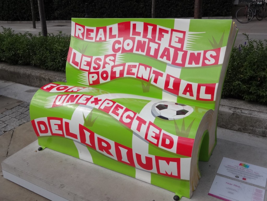 Such a shame this bookbench wasn't located in Highbury