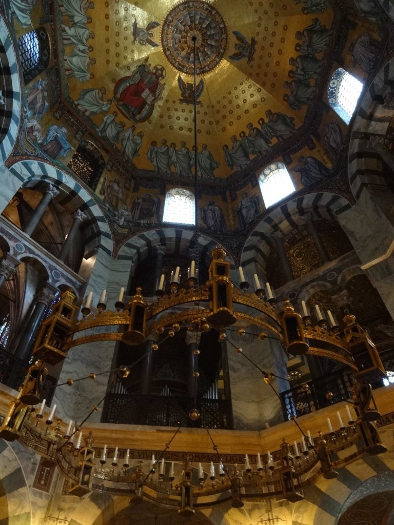Aachen Cathedral, Bararossa chandelier and Octogon ceiling