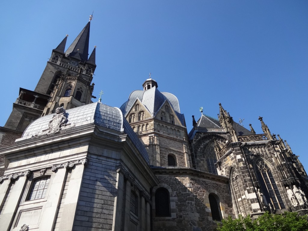 With its numerous chapels of varying shapes and sizes tacked on to almost every side of the central octagonal Palace Chapel, capturing the exterior of the cathedral in the one shot also proved difficult to achieve