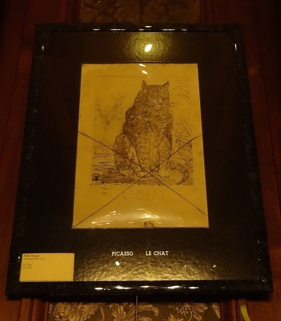 A genuine and rare Picasso cat sketch from 1942 ... with a genuine and even more rare KattenKabinet label by it!