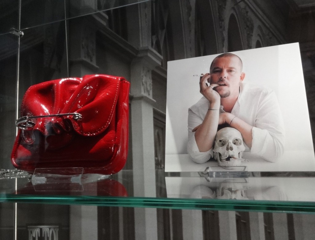 Now that's sexy ... as is the bag; an Alexander McQueen design, England 2008