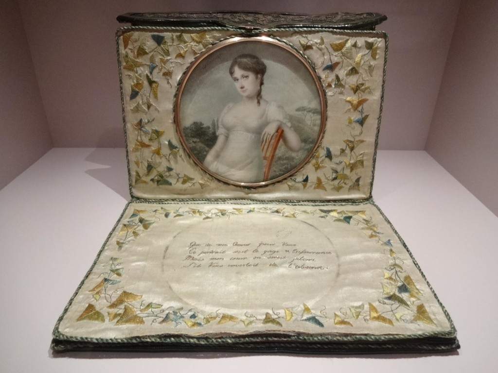 A nineteenth century selfie with tweet; a beautiful French leather and silk letter case by Favorin Ledebur, 1806