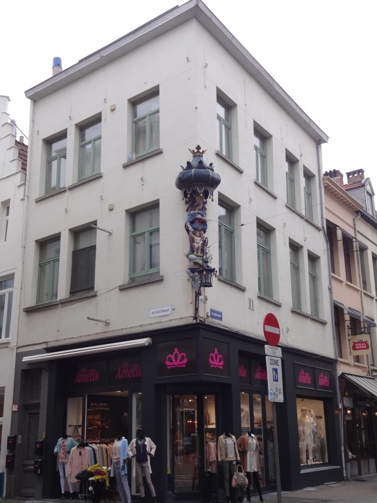 Antwerp, myths and legends, statue of the Virgin Mary on the corner of Hoogstraat and Vlasmarkt