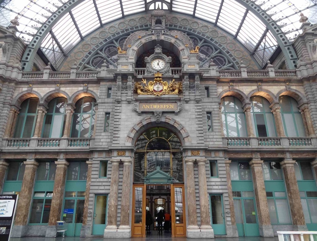 Antwerp, things to do in Antwerp, Centraal Station, clock and ticket hall entrance close up