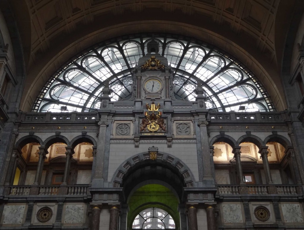 Antwerp, things to do in Antwerp, Centraal Station, ticket hall interior clock
