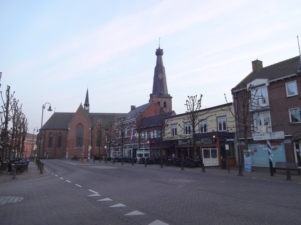 The centre of Baarle photographed in the Netherlands. The church is Saint Remigius, standing on Belgian land. However, the main Belgian-Dutch border does not run through this town. Confused?