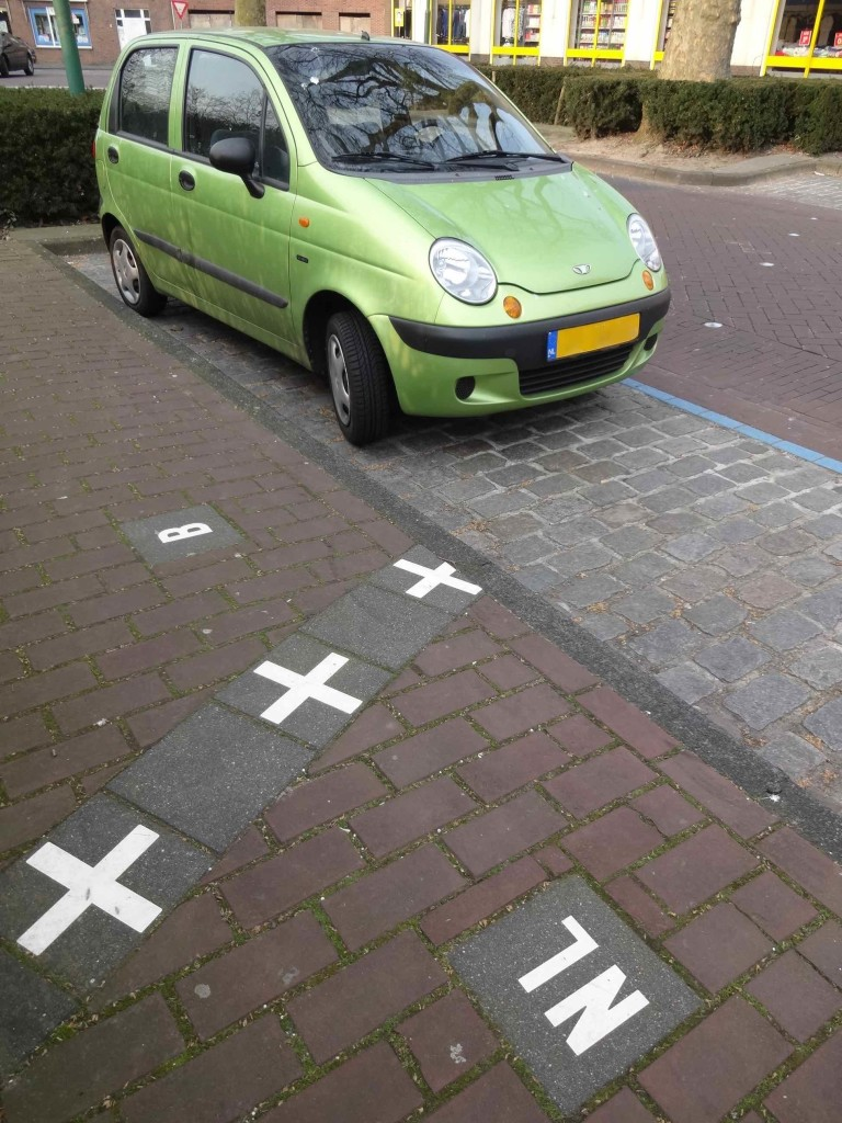 I'm surprised the driver of this Dutch-registered car made every effort not to park in his/her native country. Maybe the road restrictions are more favourable in Belgium