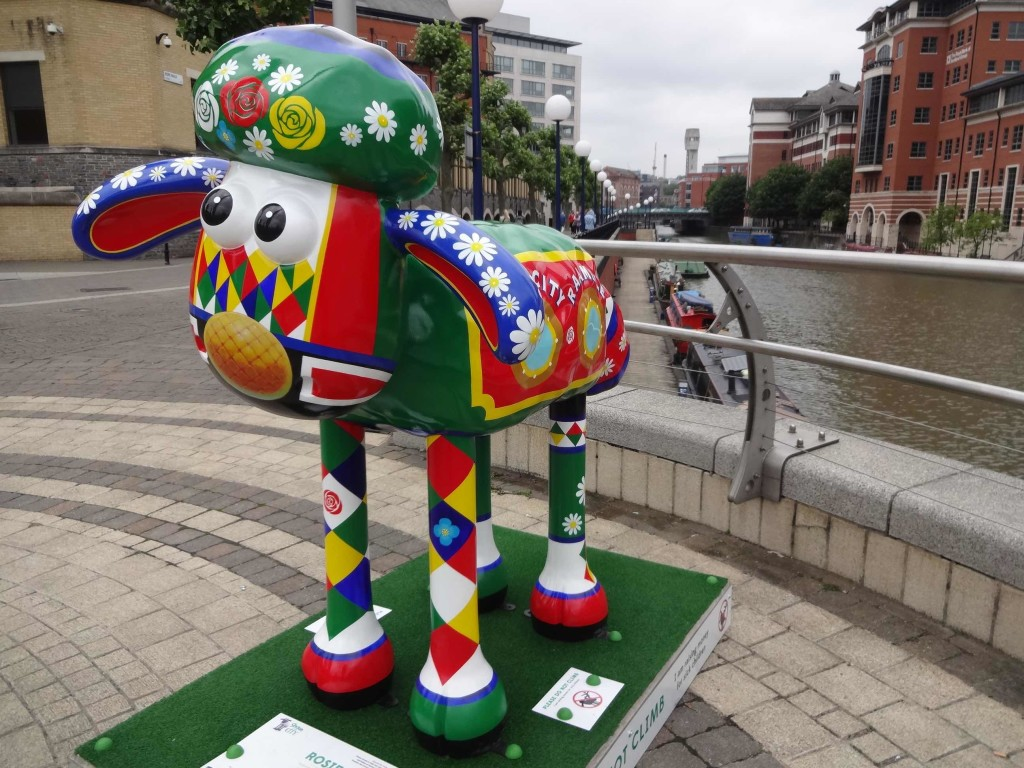 Bristol Shaun in the City, Temple trail, Rosie, Jacqueline Anne Harper, PwC, Valentine's Bridge, side with canal