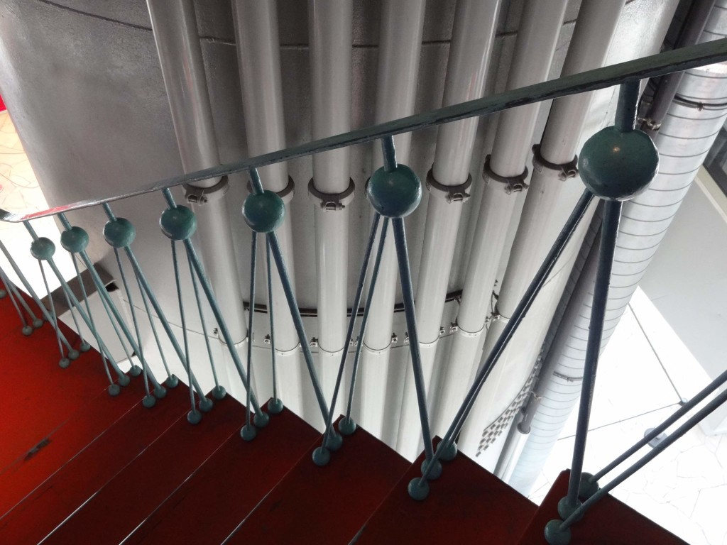 A fabulous touch: original Atomium themed banisters