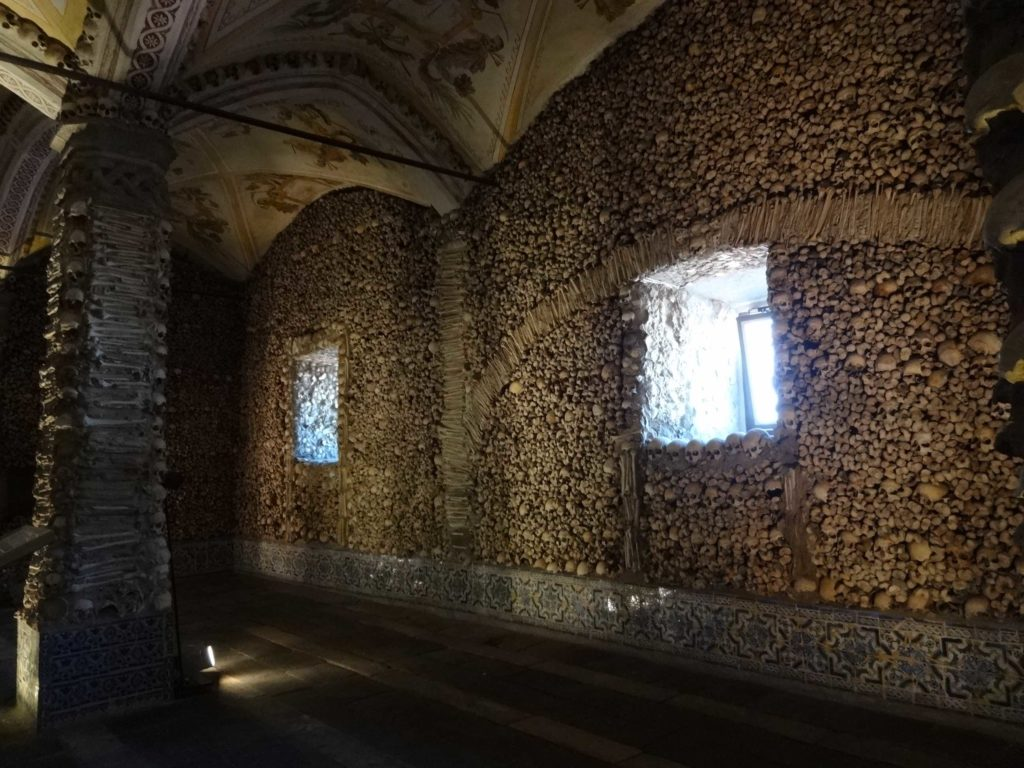There are believed to be over five thousand skeletal remains lining the walls of this interior chapel behind Évora's Igreja de São Francisco (Church of Saint Francis)