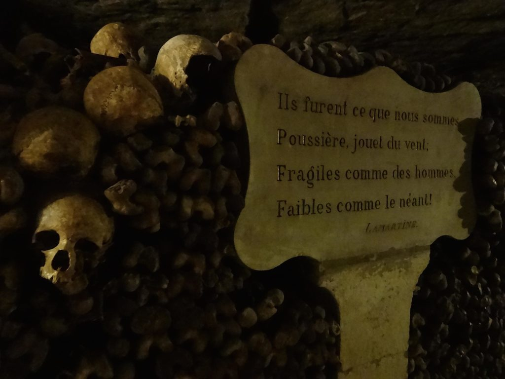 More recently, plaques quoting poetry and prose have been placed alongside the remains. This plaque details a verse from Alphonse de Lamartine's poem Pensée des Morts (Thought of the Dead)