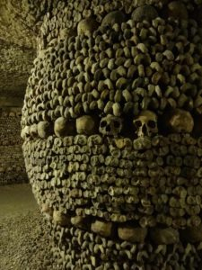 Catacombes de Paris, Paris Catacombs, barrel style monument, side