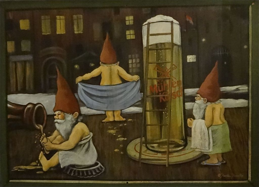 Cologne at Christmas Kölner Altstadt Heimat der Heinzel Home of the Elves Christmas market artwork elves washing