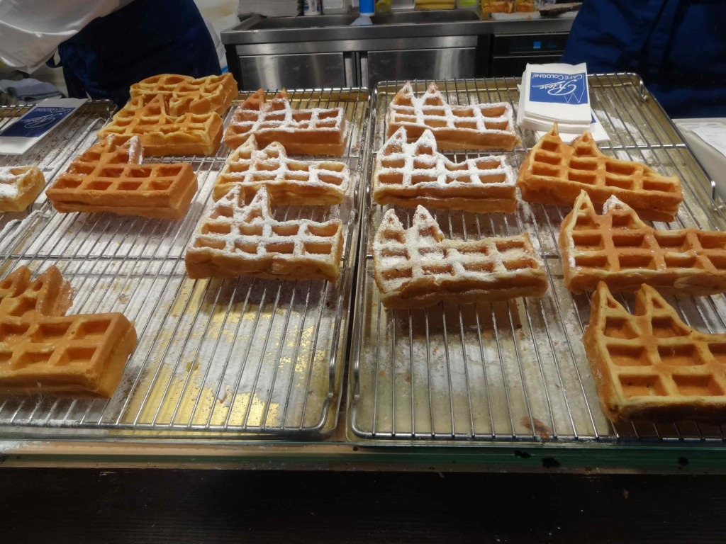 Cologne cathedral-shaped waffles for Christmas morning breakfast ...