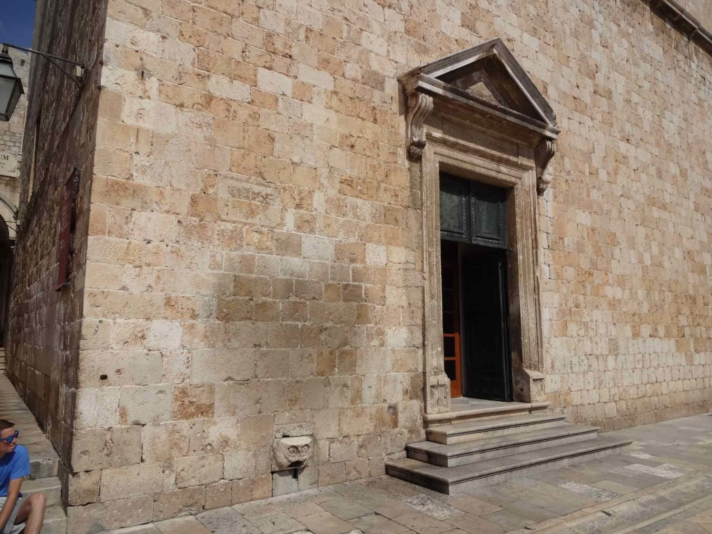The odd heart-shaped stain on the fourteenth century Franciscan Monastery wall ...