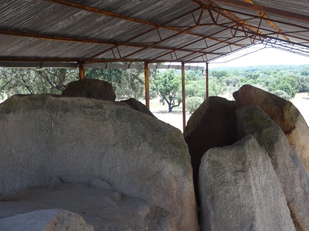 ebora-megalithica-great-dolmen-of-zambujeiro-top-with-trees