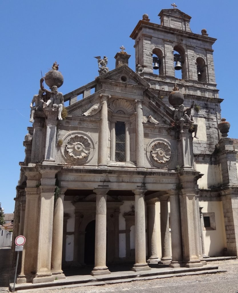 Évora's Igreja da Nossa Senhora da Graça (Church of Our Lady of Grace) is now home to the city's Garrison offices with four unusual guards posted by - or rather above - the entrance