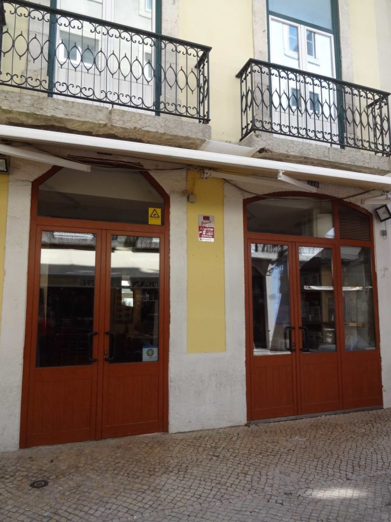 The friendliest restaurant in Europe: I recently returned to Lisbon (June 2016) and to the restaurant where I was made to feel so welcome thirteen years earlier. Sadly, the establishment was boarded up and closed for business