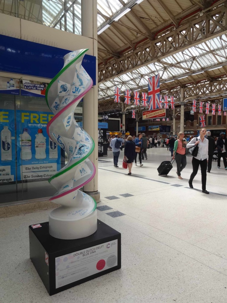 London Cancer Research UK's London Art DNA Trail 2015 What's in your DNA, Double Dutch Delft Blue DNA, Chris and Xand van Tulleken, Victoria Station