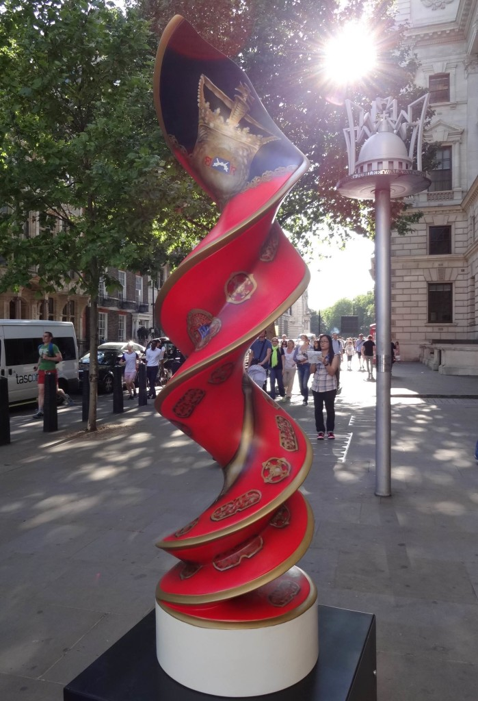 London Cancer Research UK's London Art Trail 2015 What's in your DNA, Mayoral Helix, Mayor of Westminster, Great George Street