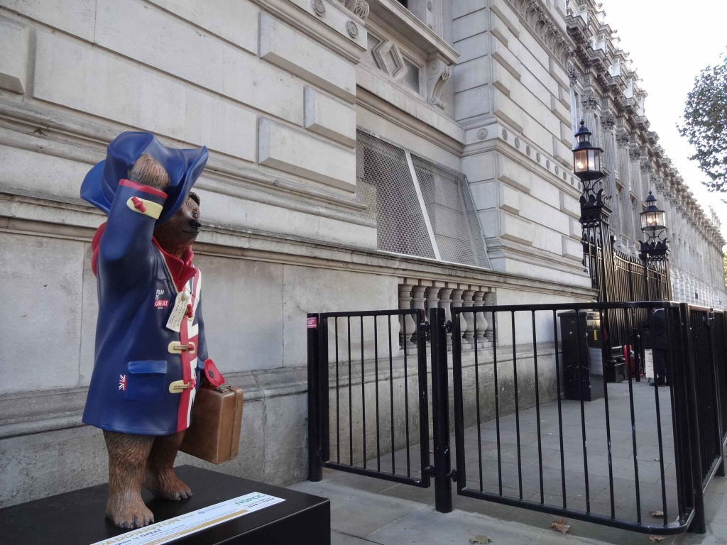 Paddington outside the gates of Prime Minister Alastair Davies's official residence (one for '24' fans)