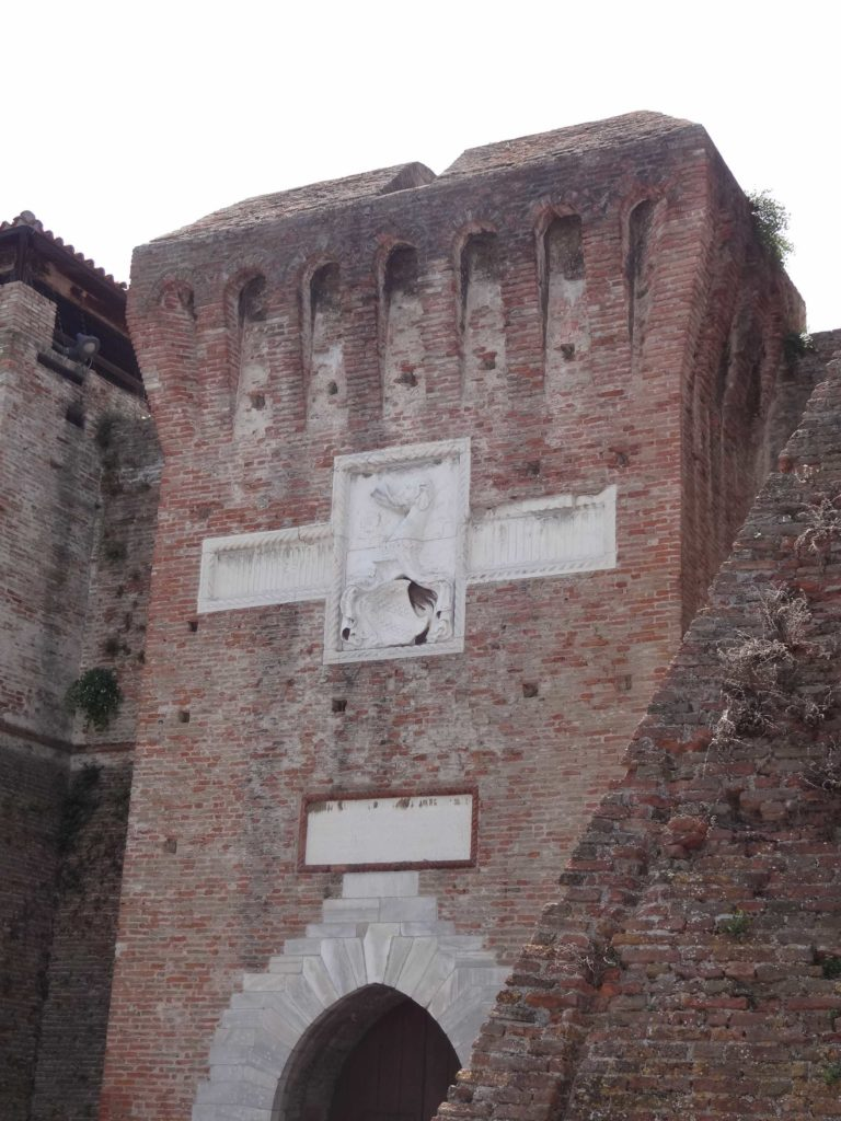 Little of Malatesta's Renaissance renovations to the Roman fortress have survived, but his coat of arms and his over-inflated opinion of himself as detailed in a plaque over the gate claiming he had built the whole fortress from scratch, can still be seen today