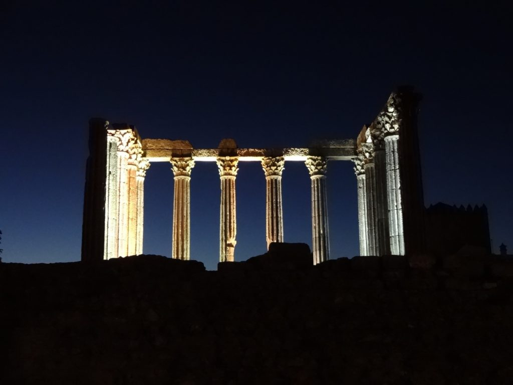 roman-temple-of-evora-aka-temple-of-diana-back-night