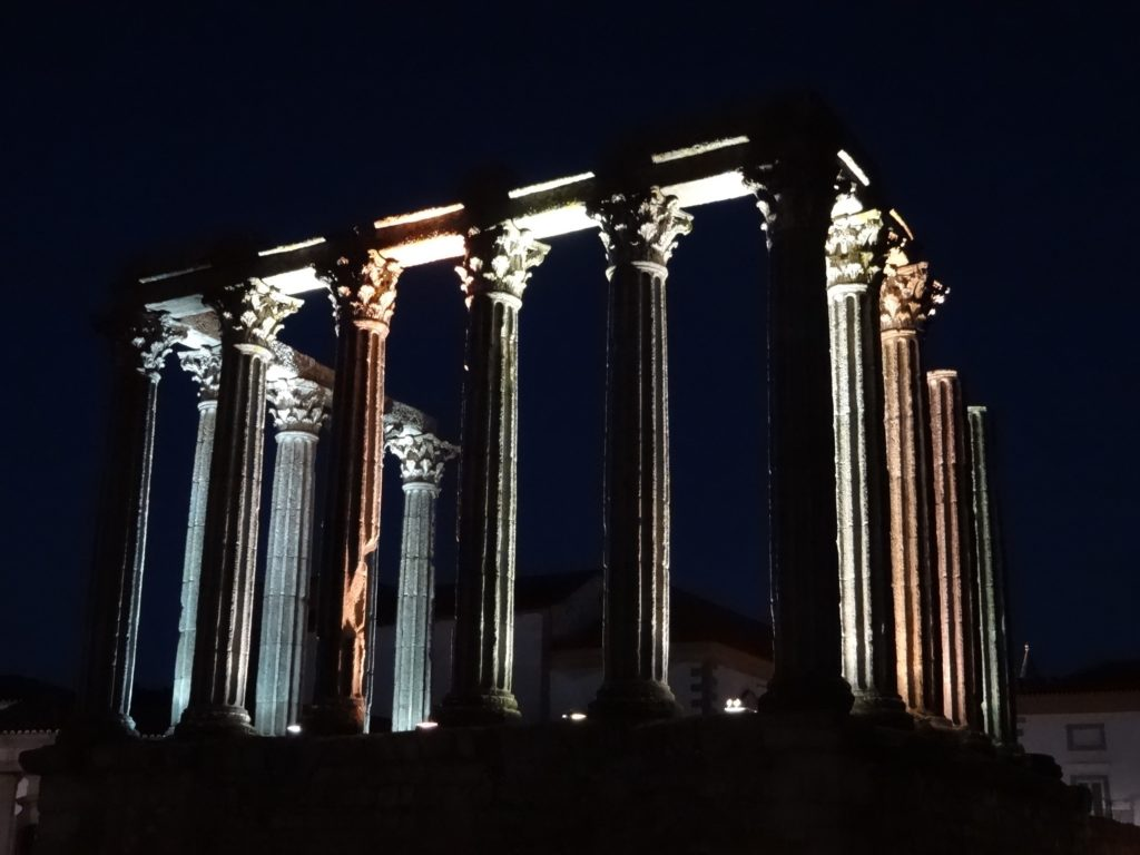 Whatever the Temple was used for in previous centuries, the well preserved remains look particularly spectacular at night