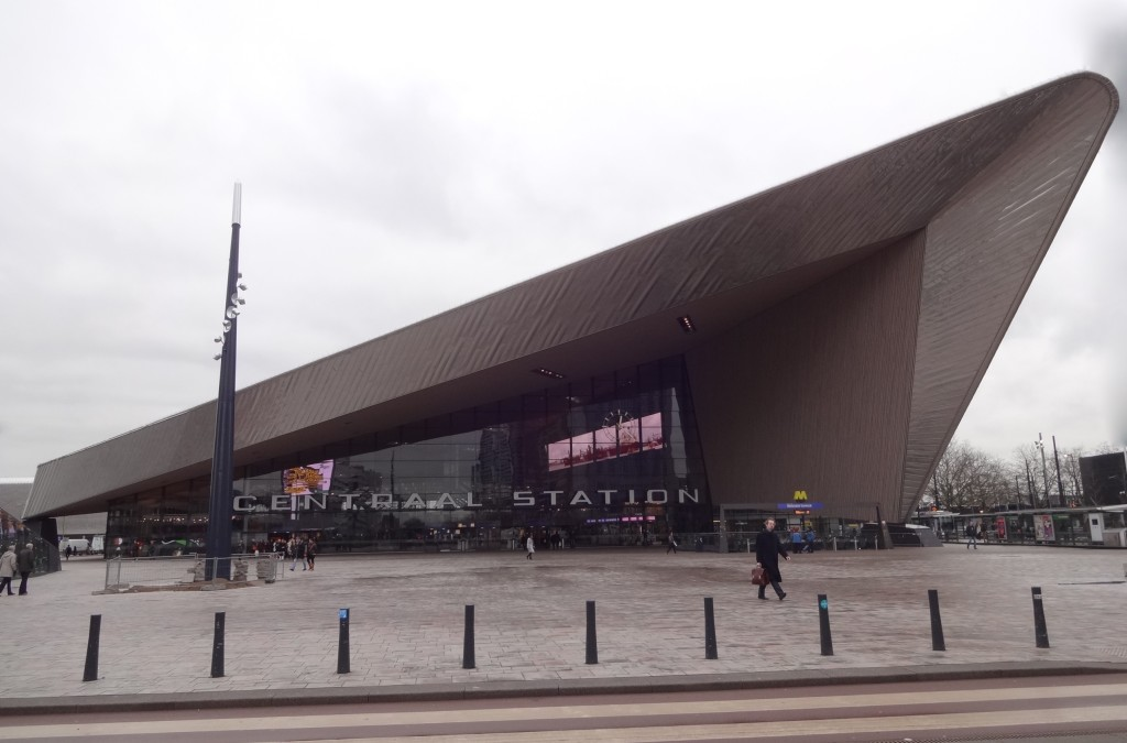 Rotterdam, art and architecture, Centraal Station, front street