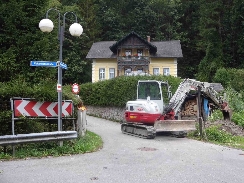Look! A digger breaking Bad Ischl soil. Hawh hawh! (and yes, I did take this photo in the town)