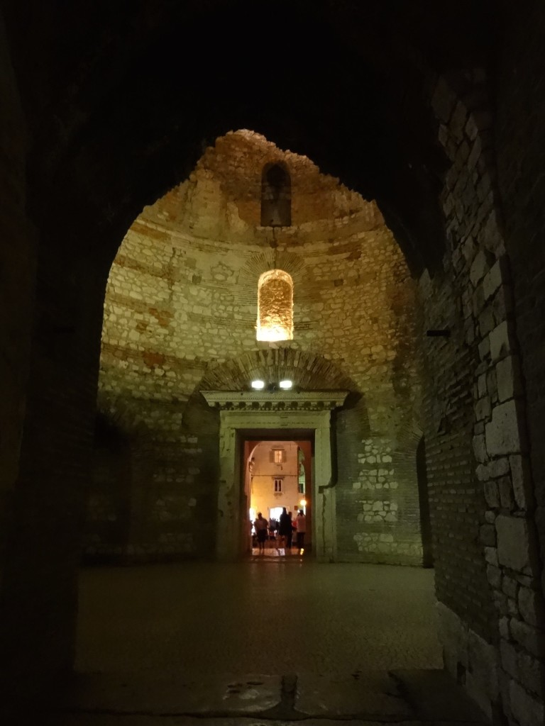 Split Diocletian's Palace, Diocletian quarters doorway looking out at Perstil from further in, night