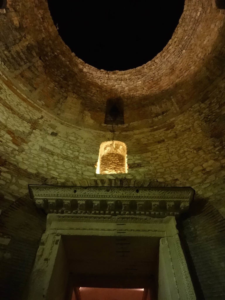 Split Diocletian's Palace, Diocletian quarters roof and doorway out to Perstil night