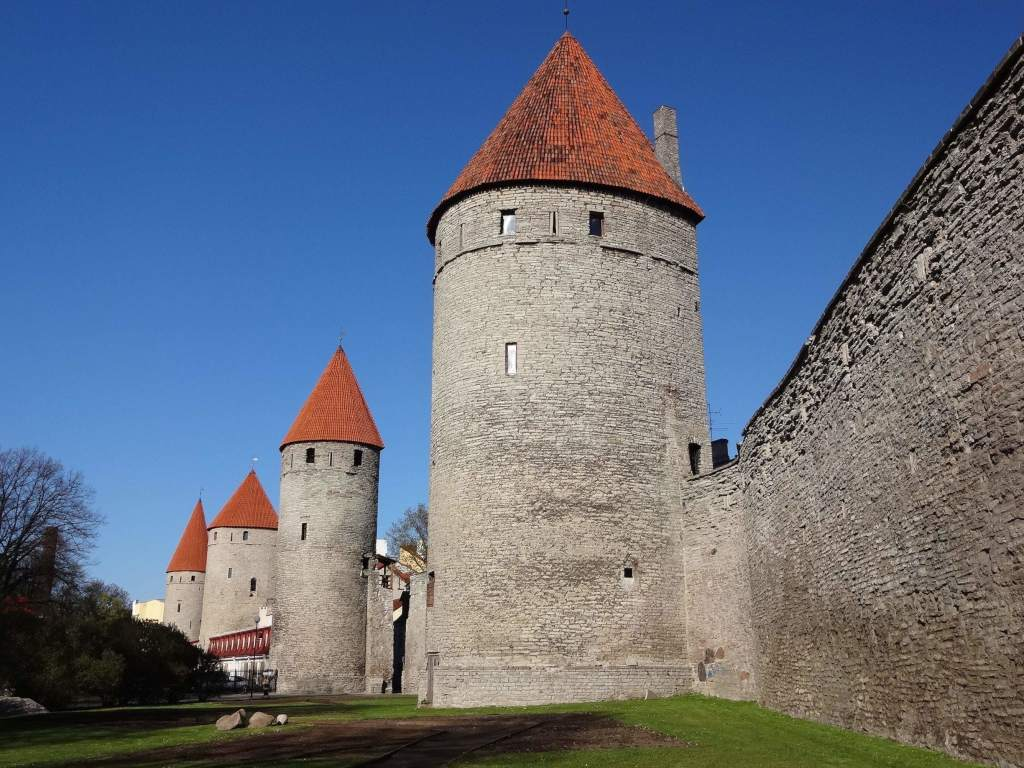 The best preserved section of Tallinn's medieval Lower Town walls and towers (has anyone got any Deep Heat cream for my neck?)