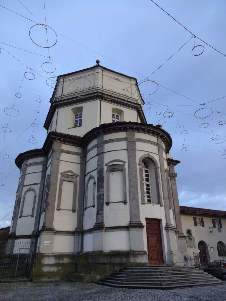 The entrance to the church and convent of Saint Maria. Are those halos floating around it? I wouldn't be surprised if they were as it is a rather saintly place