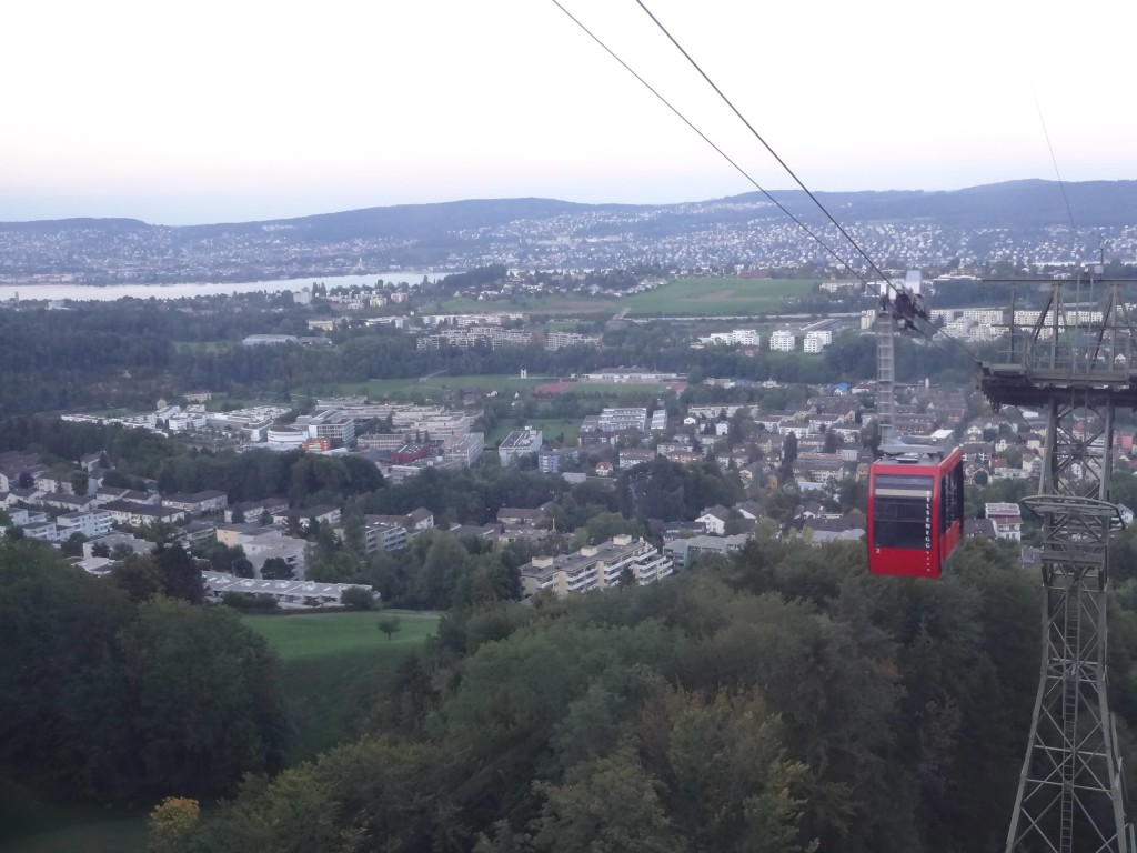 The cable car from Felsenegg down to Adliswil